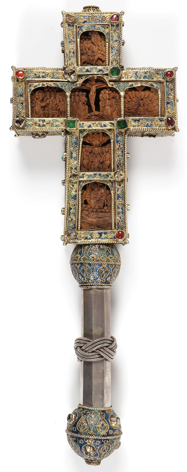A FINE MT. ATHOS SILVER MOUNTED CARVED CROSS 17TH/18TH CENTURY.